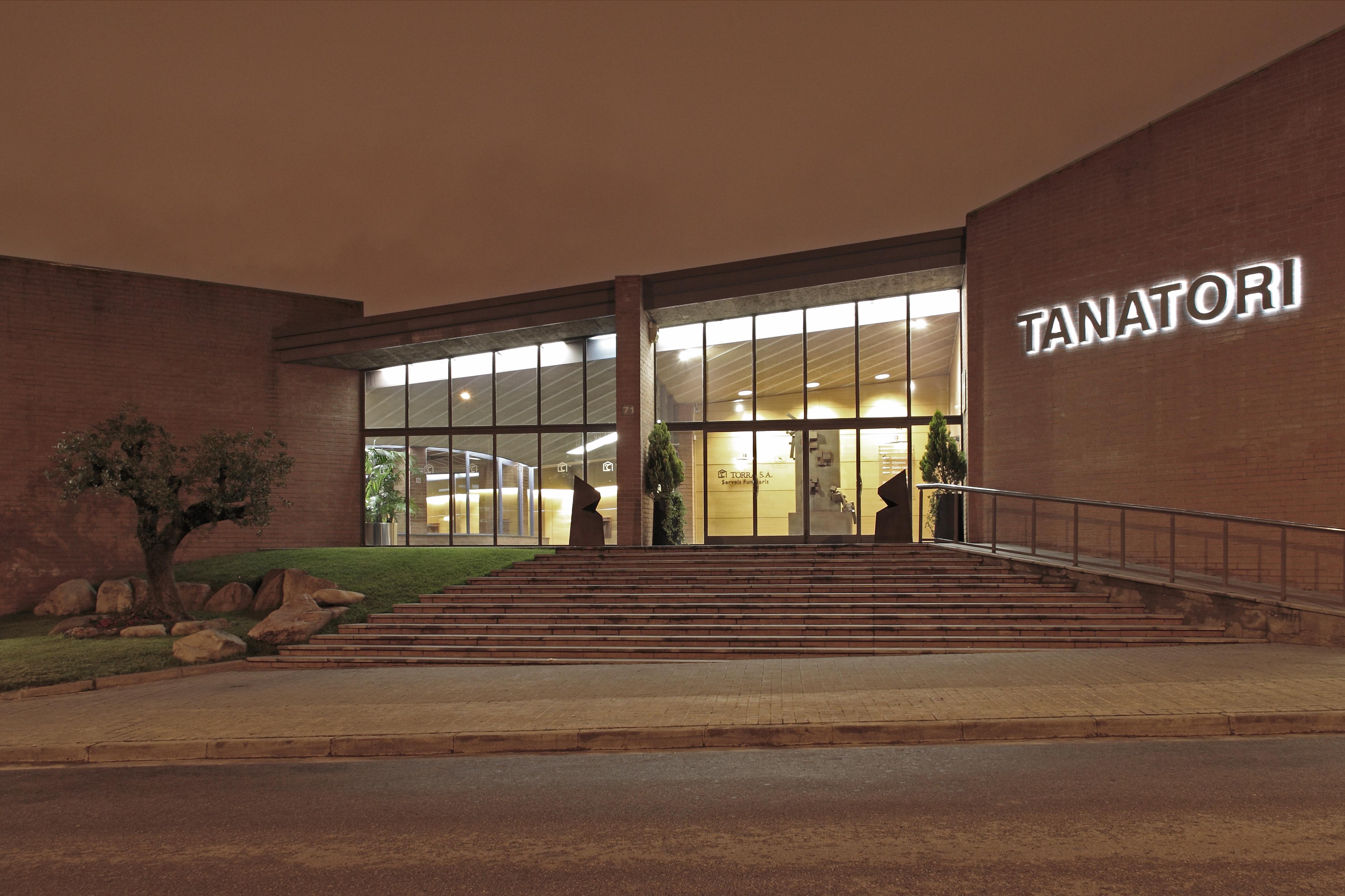 Funeraria torra aumenta sus servicios con una nueva for Horario oficinas sabadell